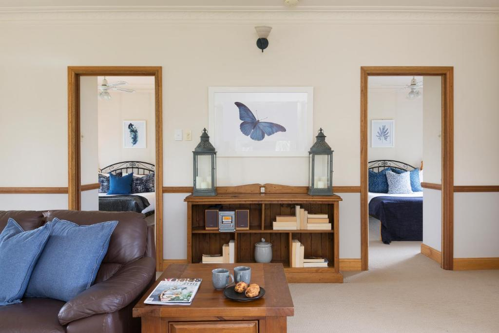 A seating area at Windsors Edge Cottage Rothbury