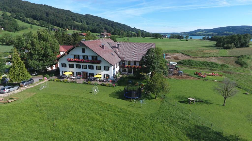 A bird's-eye view of Pension Zenzlgut
