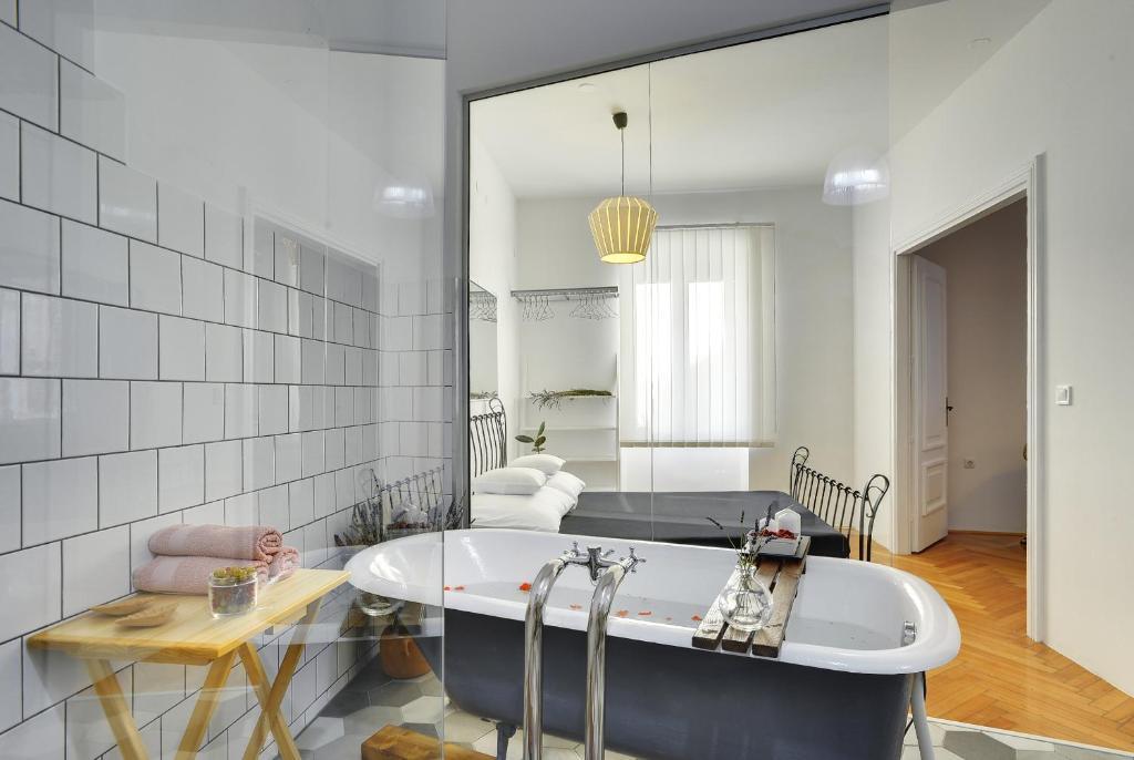 A bathroom at Apartments Forum