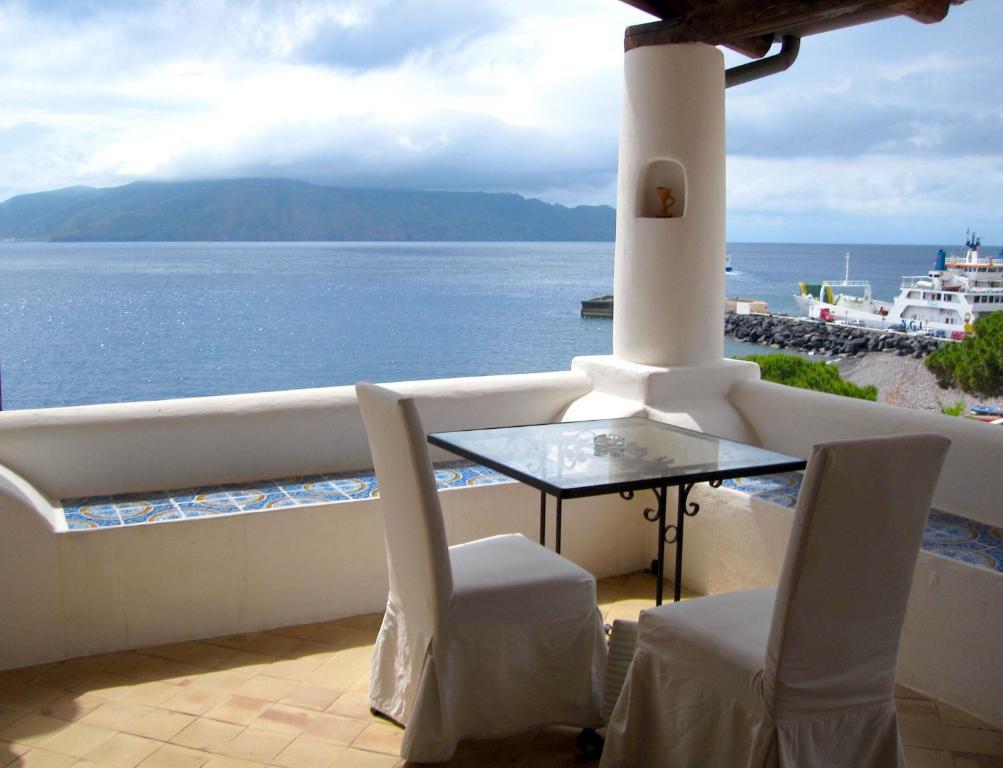 Vista generica sul mare o vista sul mare dall'interno dell'hotel