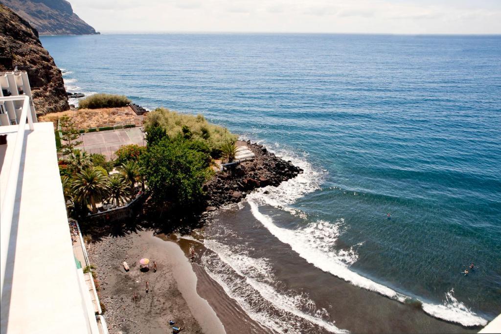 A bird's-eye view of Cozy Apartment Beach and Mountain