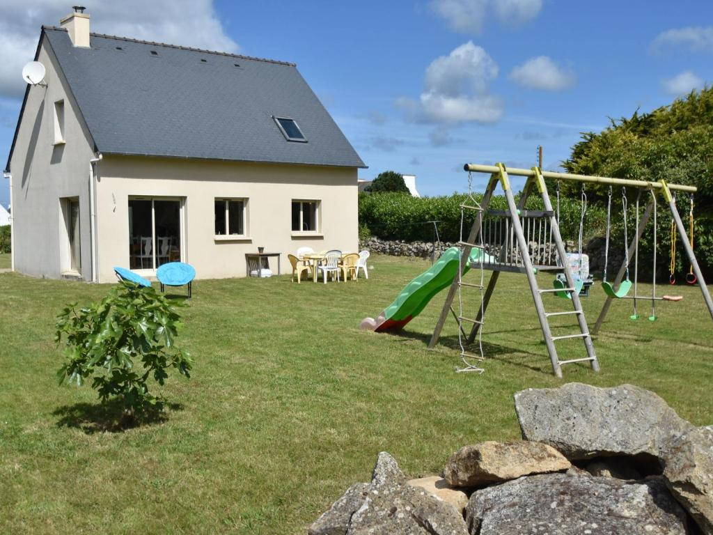Luxurious Holiday Home in Plouhinec near Sea