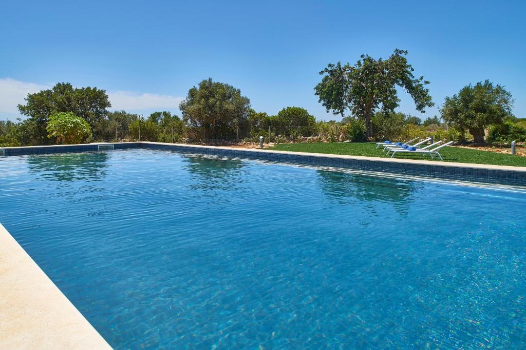 The swimming pool at or near Mercedes Country House