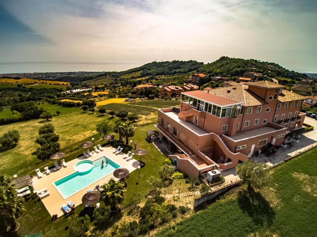 Vista aerea di Hotel Wellness Villa Susanna Degli Ulivi