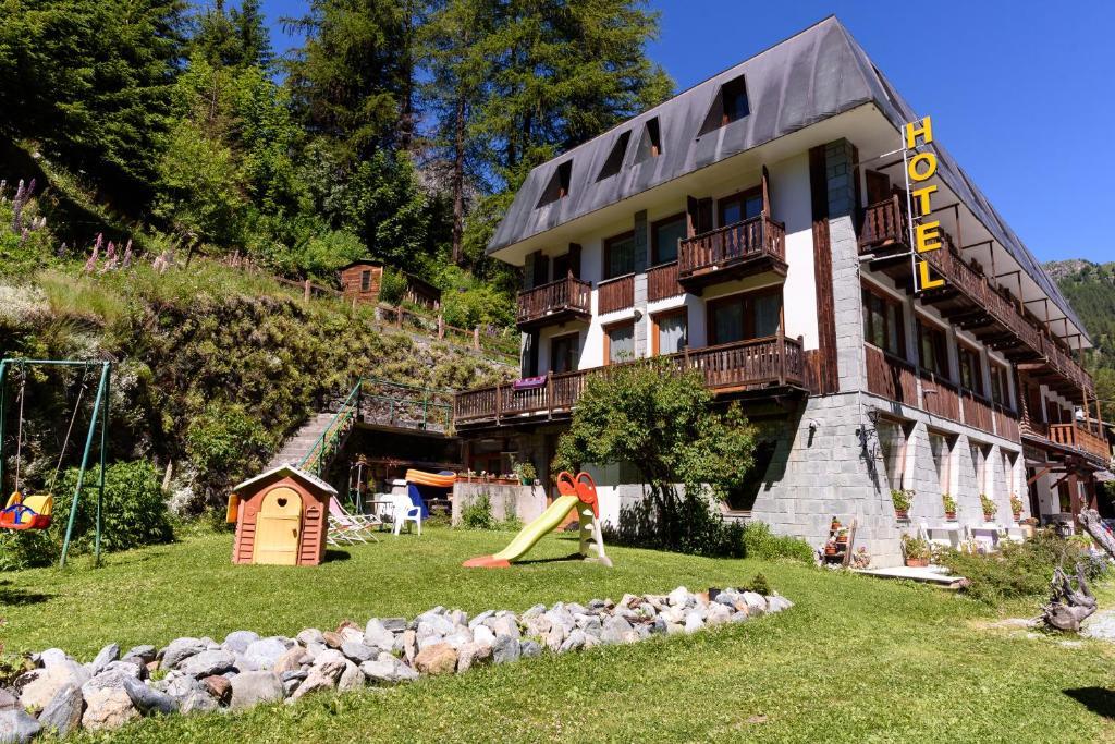 Hotel Genzianella Champoluc, Italy