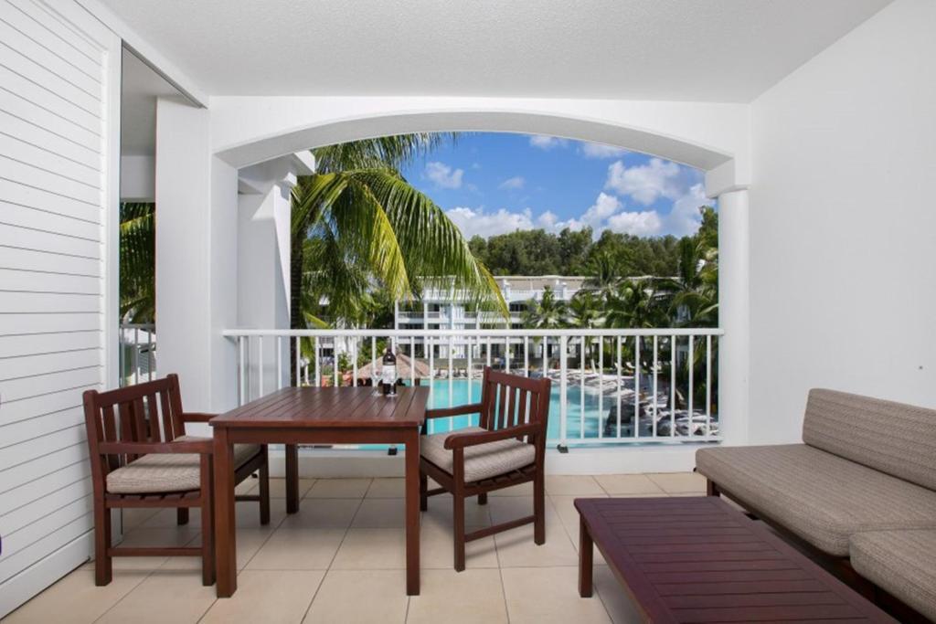 A balcony or terrace at BEACH CLUB PENTHOUSE 5134
