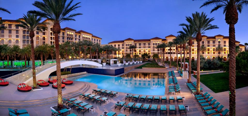 The swimming pool at or near Green Valley Ranch Resort Spa Casino