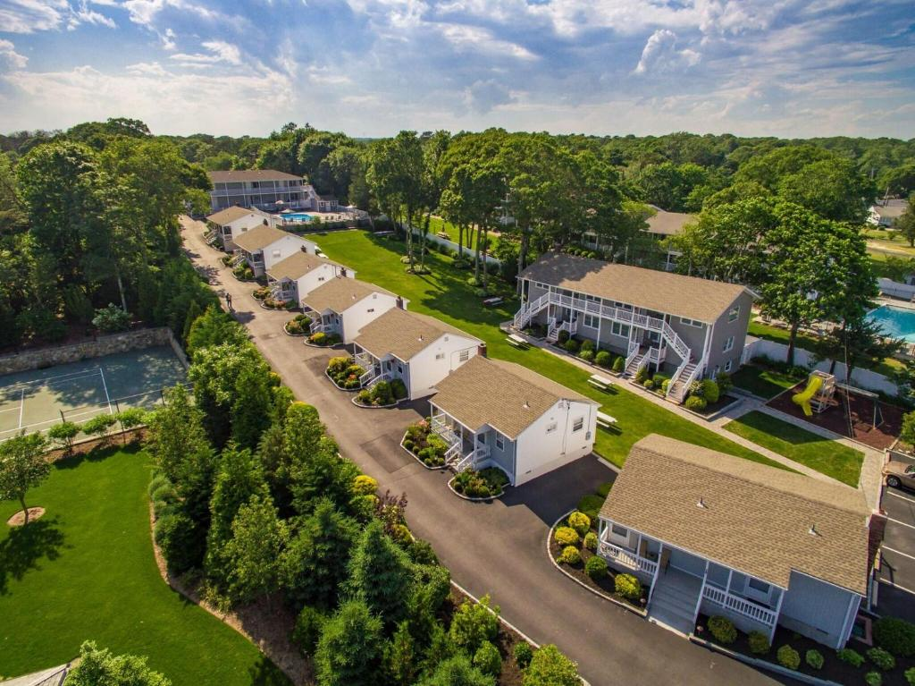 A bird's-eye view of Colonial Shores Resort