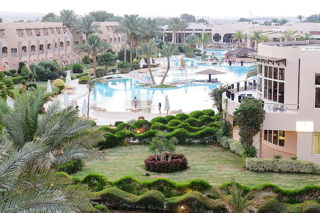 A view of the pool at Prima Life Makadi or nearby