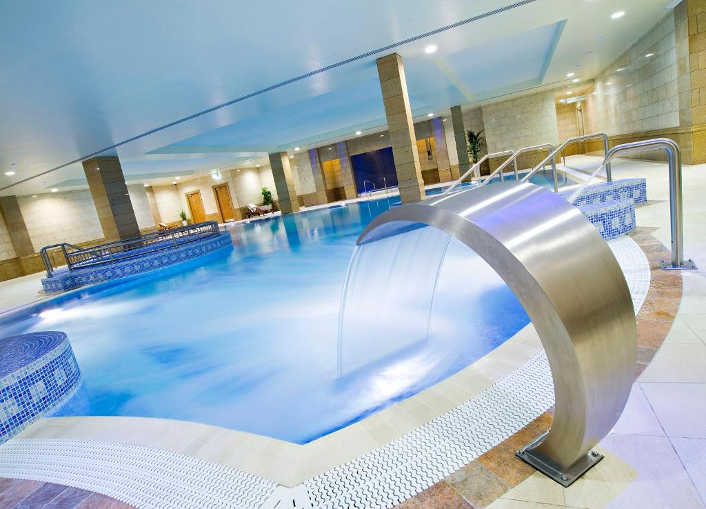 The swimming pool at or near Bonnington Hotel & Leisure Centre
