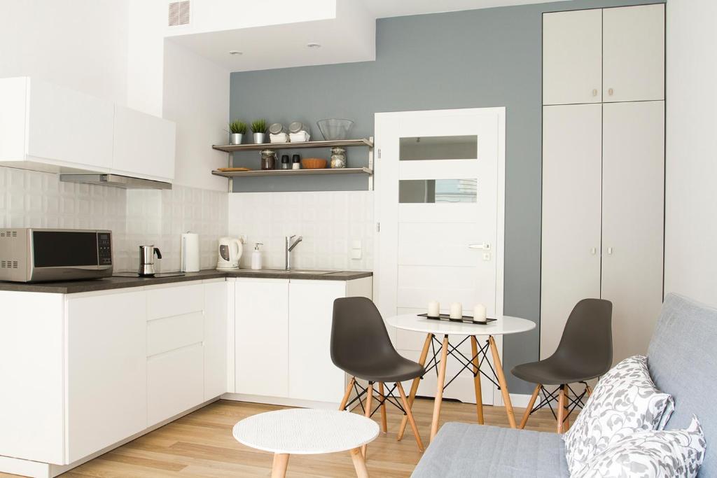 Kuchnia lub aneks kuchenny w obiekcie Down Town Apartments Arianska 6A