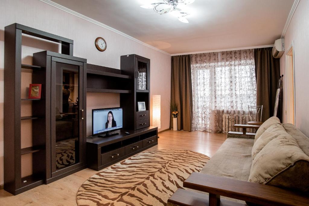 Телевизор и/или развлекательный центр в Apartament on Lermontovskaya