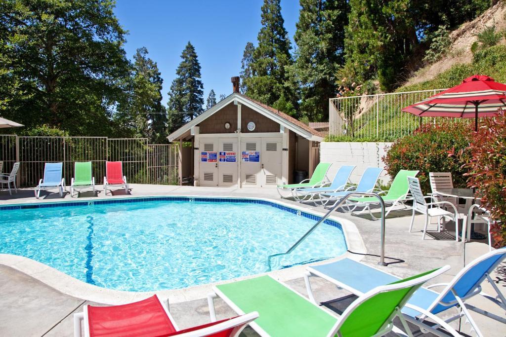 The swimming pool at or near Lake Arrowhead Chalets, a VRI resort