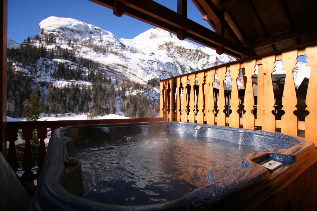 The swimming pool at or close to Chardons Isabella