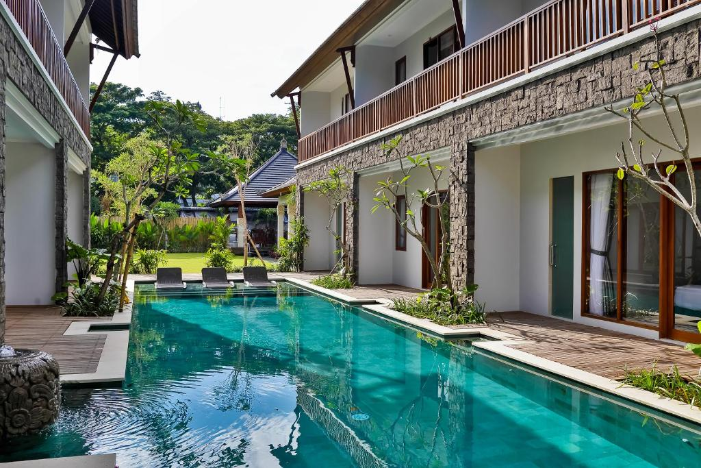 The swimming pool at or close to Mahana Boutique Apartment