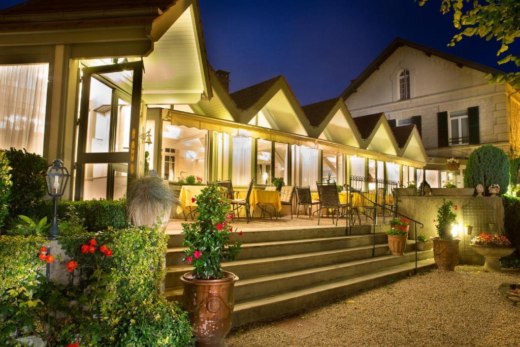 Hotel Relais d'Aumale Orry-la-Ville, France