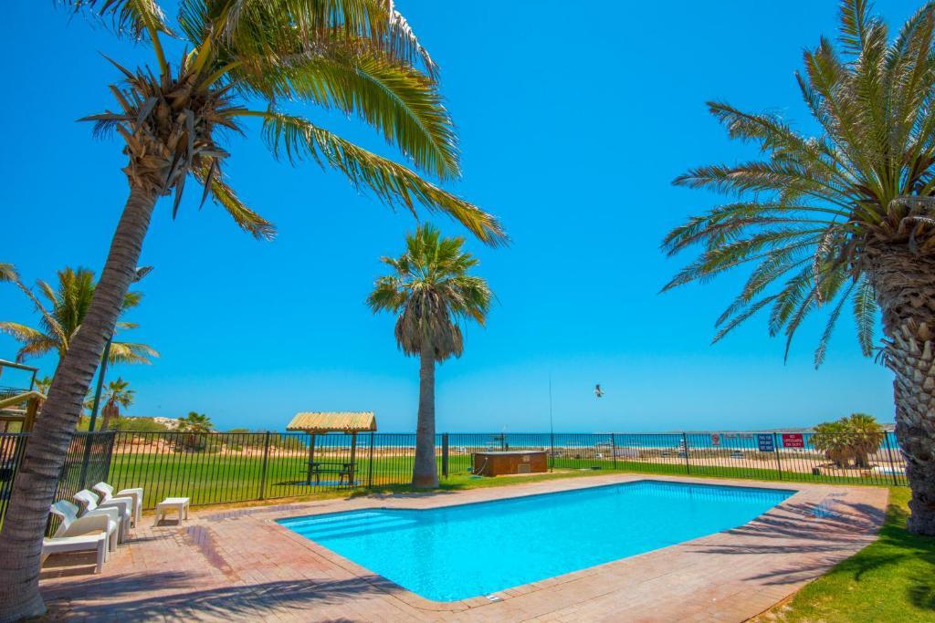 The swimming pool at or close to Ningaloo Reef Resort