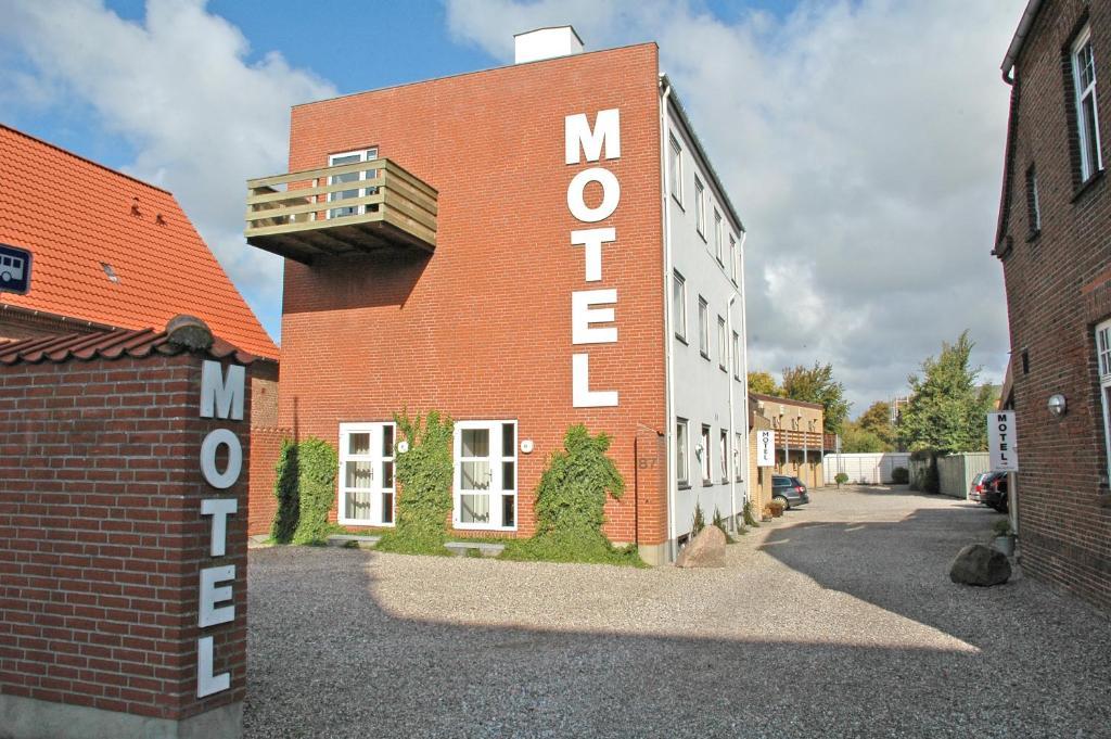 Bygningen som motellet ligger i