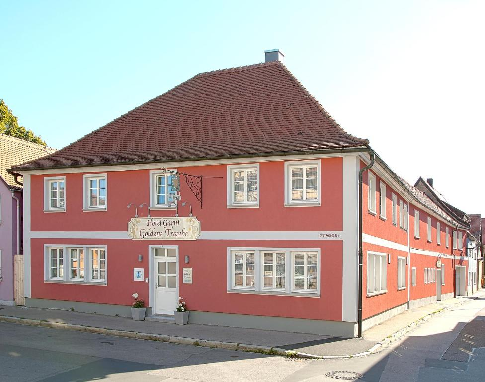 Hotel Garni Goldene Traube Bad Windsheim, Germany