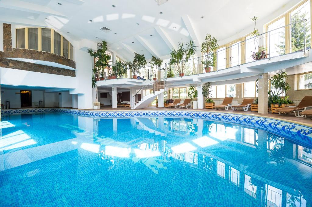The swimming pool at or near Snezhanka Hotel - Half Board
