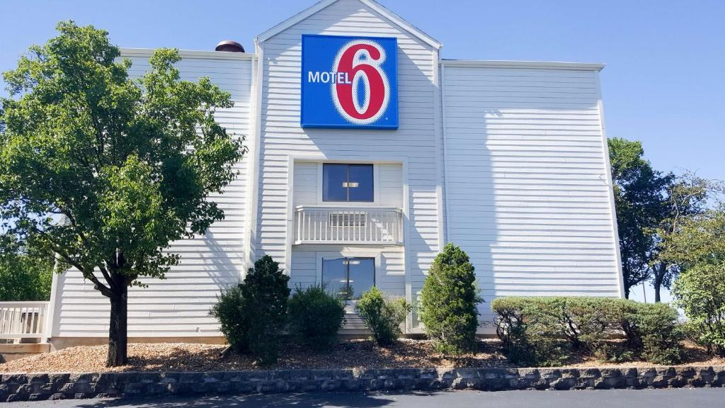 Motel 6-Maryland Heights, MO