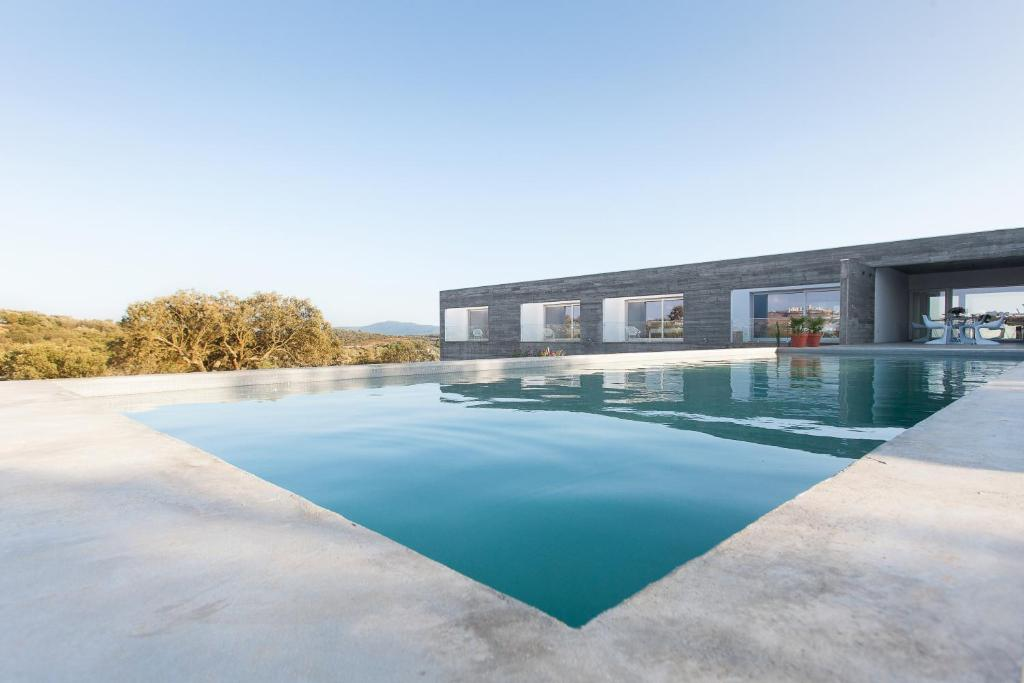 The swimming pool at or near Casa Azimute