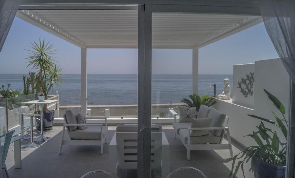 Beach-Front Bahia Dorada