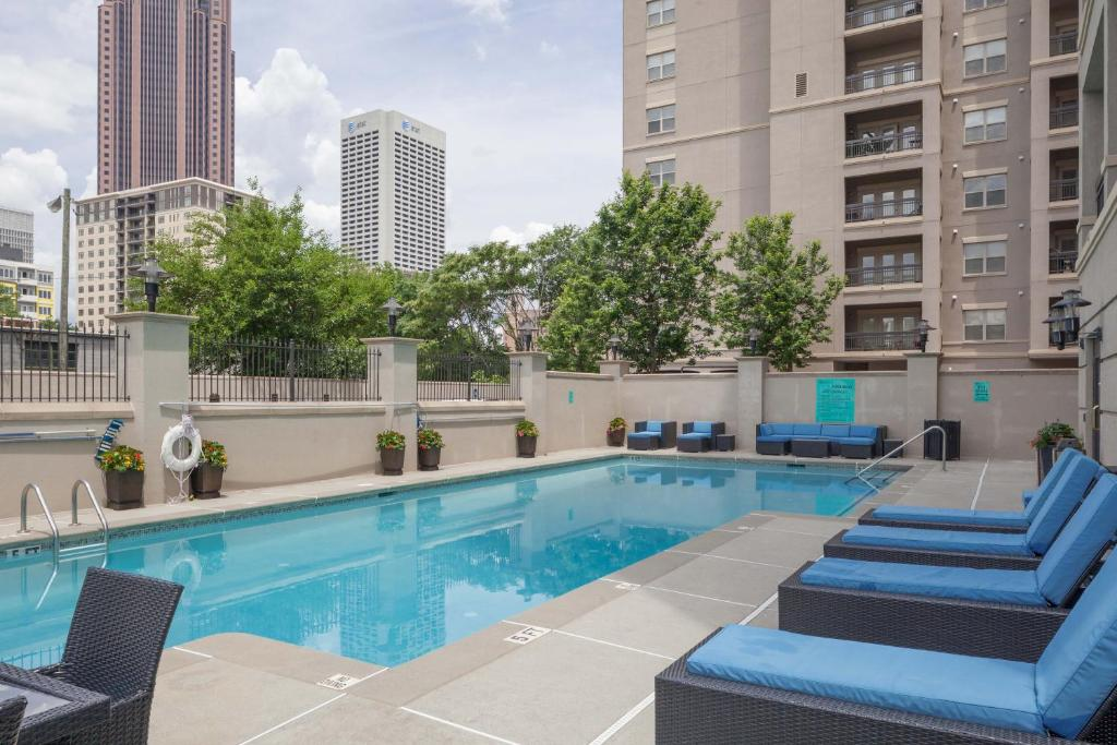 The swimming pool at or near Stay Alfred Apartments on Piedmont