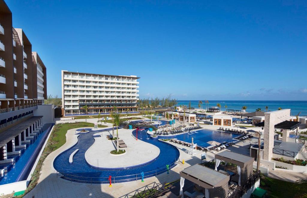 Royalton Blue Waters Resort & Spa All Inclusive