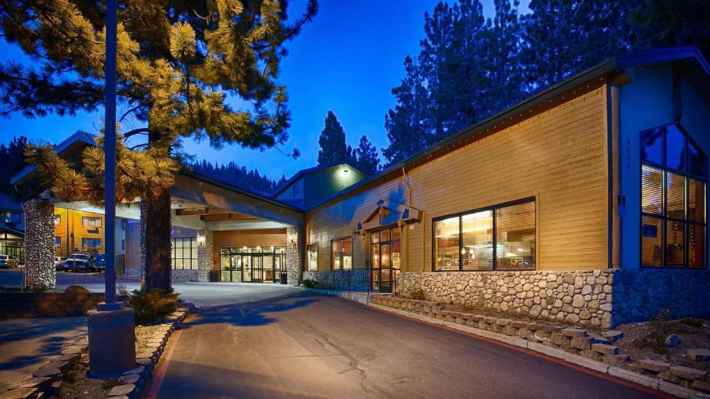 Best Western Premier High Sierra Hotel