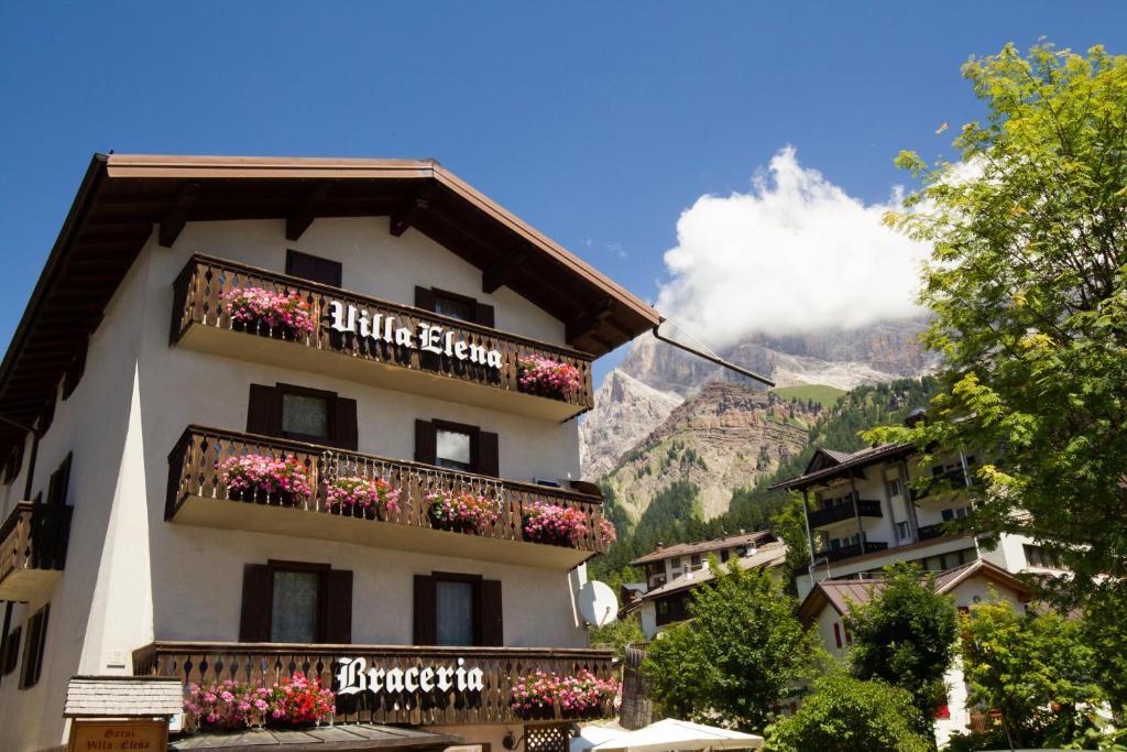 Hotel Villa Elena San Martino di Castrozza, Italy