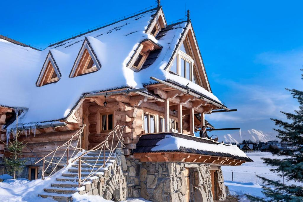 Luxury Chalet Villa Gorsky during the winter