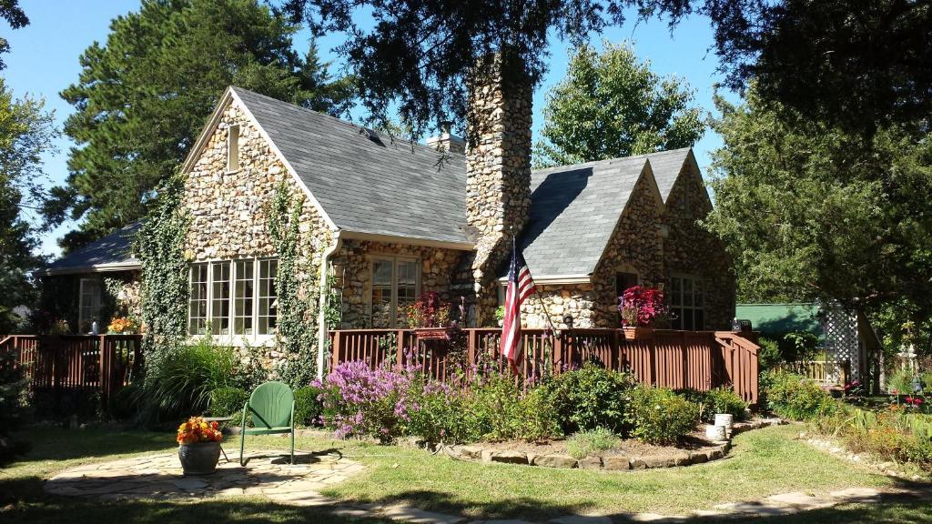 Rock Cottage Gardens B&B
