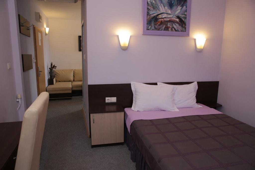 Легло или легла в стая в Хотел Аврамов