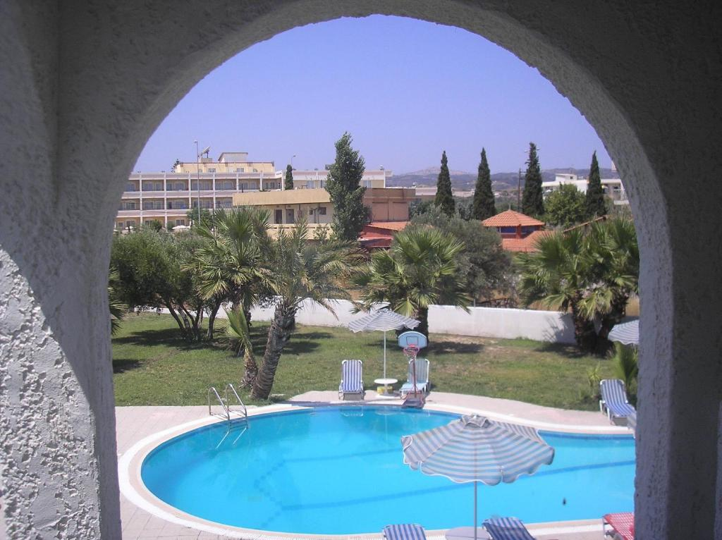 Πισίνα στο ή κοντά στο Ξενοδοχείο Αργώ