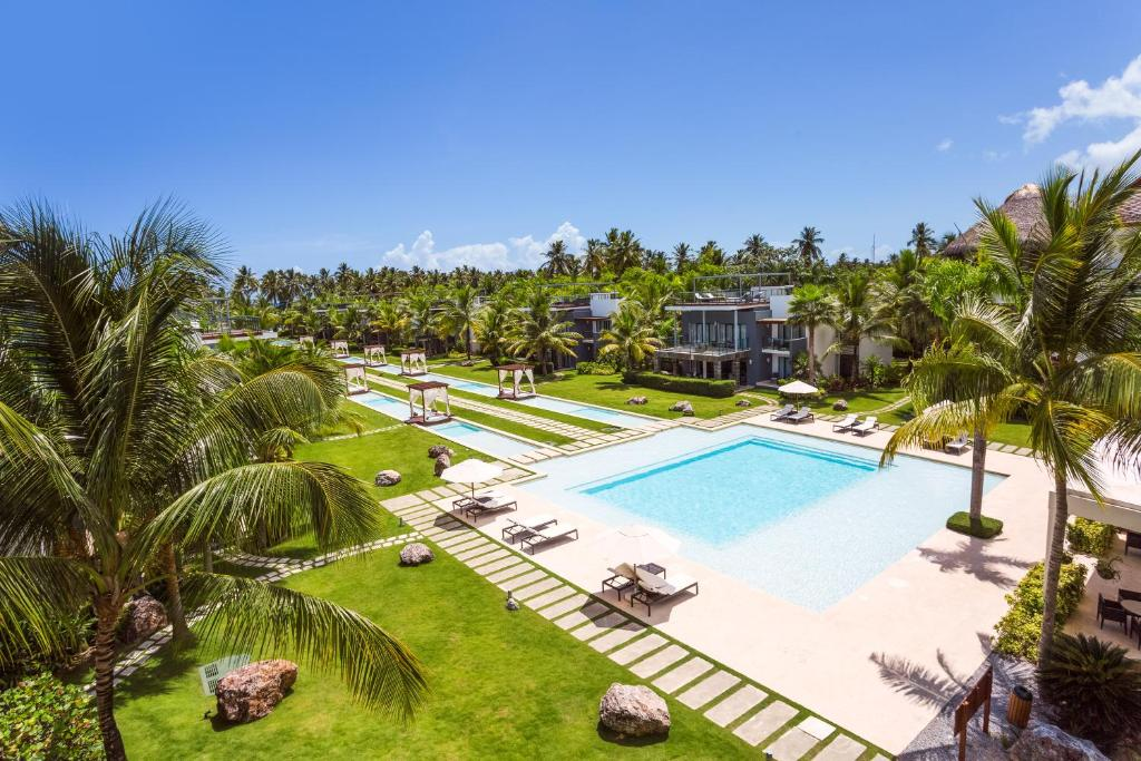 Vue sur la piscine de l'établissement Apartment in Sublime Samana Resort ou sur une piscine à proximité