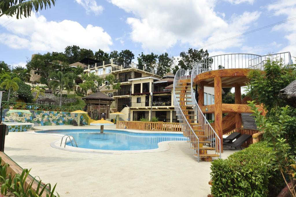 The swimming pool at or near Seascape Resort Batangas