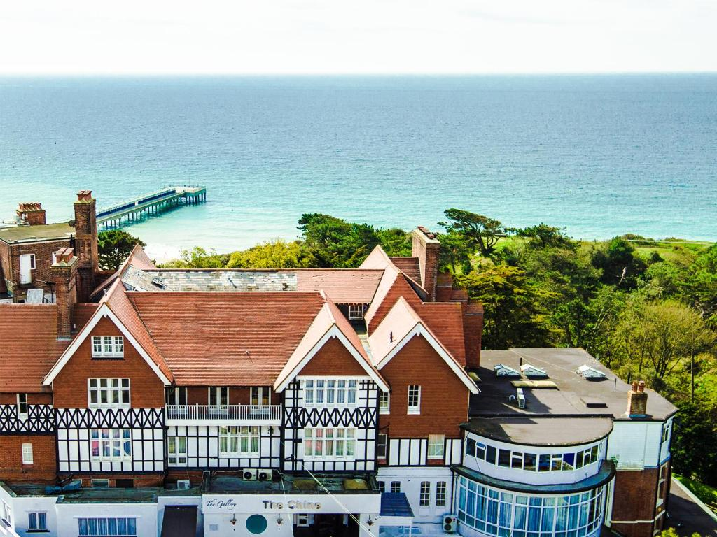 A bird's-eye view of Chine Hotel