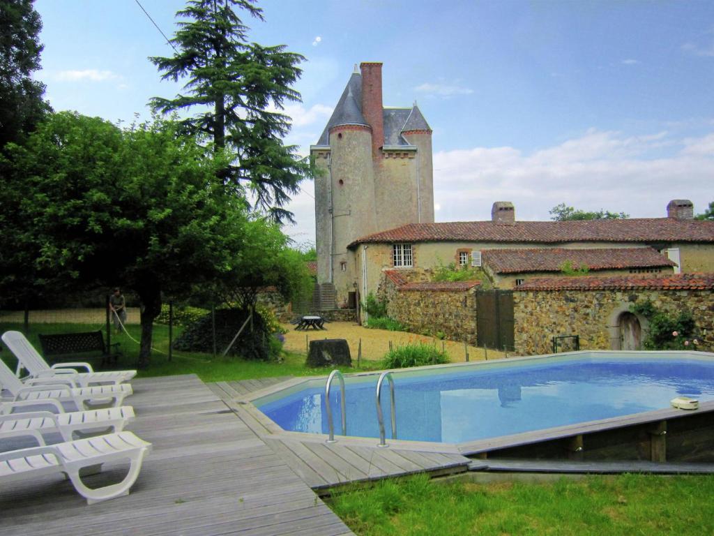 Gorgeous Mansion with Pool in Saint-Paul-du-Bois