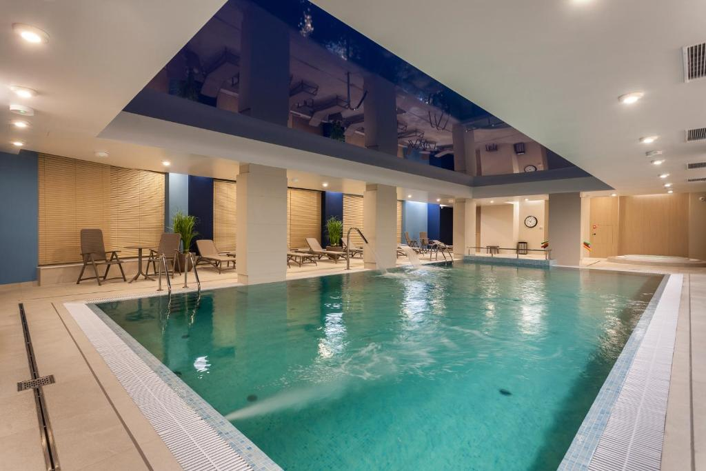 The swimming pool at or close to Hotel Number One by Grano
