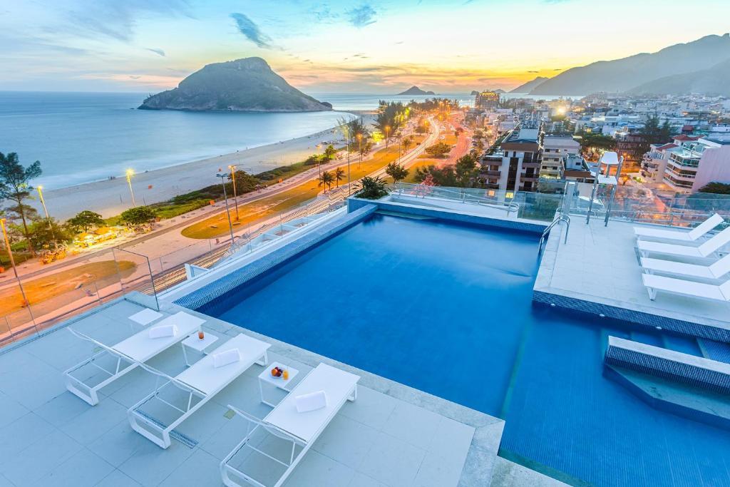 Uma vista da piscina em CDesign Hotel ou nos arredores
