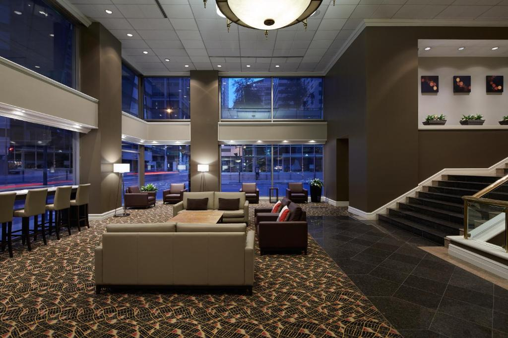 The lobby or reception area at Delta Hotels by Marriott Montreal