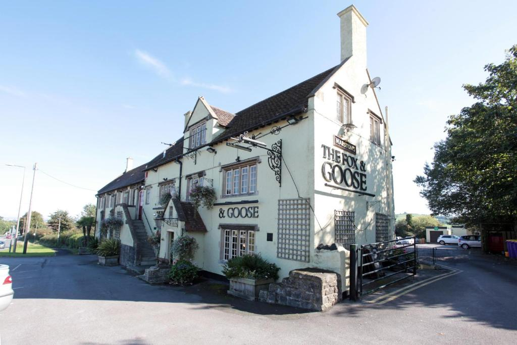 Fox & Goose, Barrow Gurney by Marston's Inns during the winter