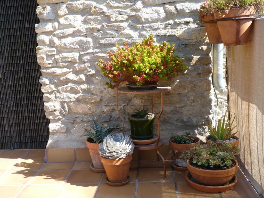 Cozy Cottage in Castigaleu with Garden 35