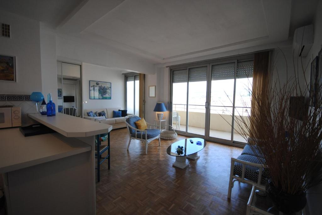 AZUR CANNES LE ROMANESQUE - Laterooms