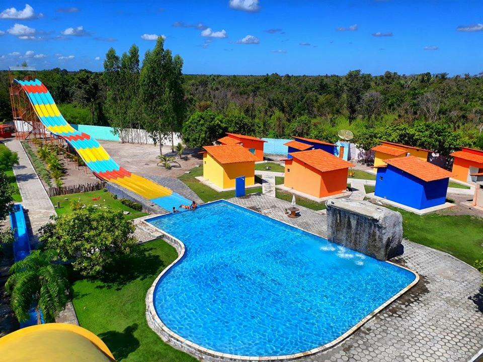 A view of the pool at Torre do Sol Park Hotel or nearby