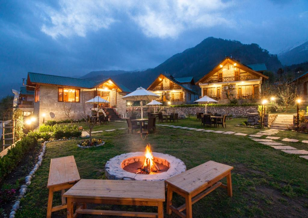 Top 5 best five-star Hotels and Resorts in Manali, India