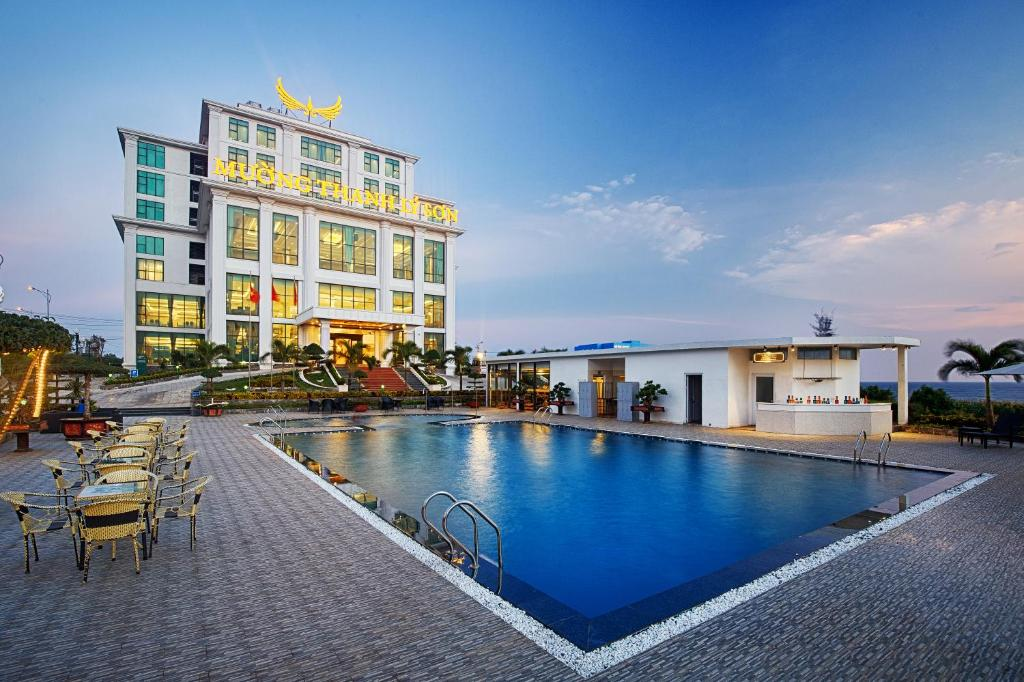 The swimming pool at or close to Muong Thanh Holiday Ly Son