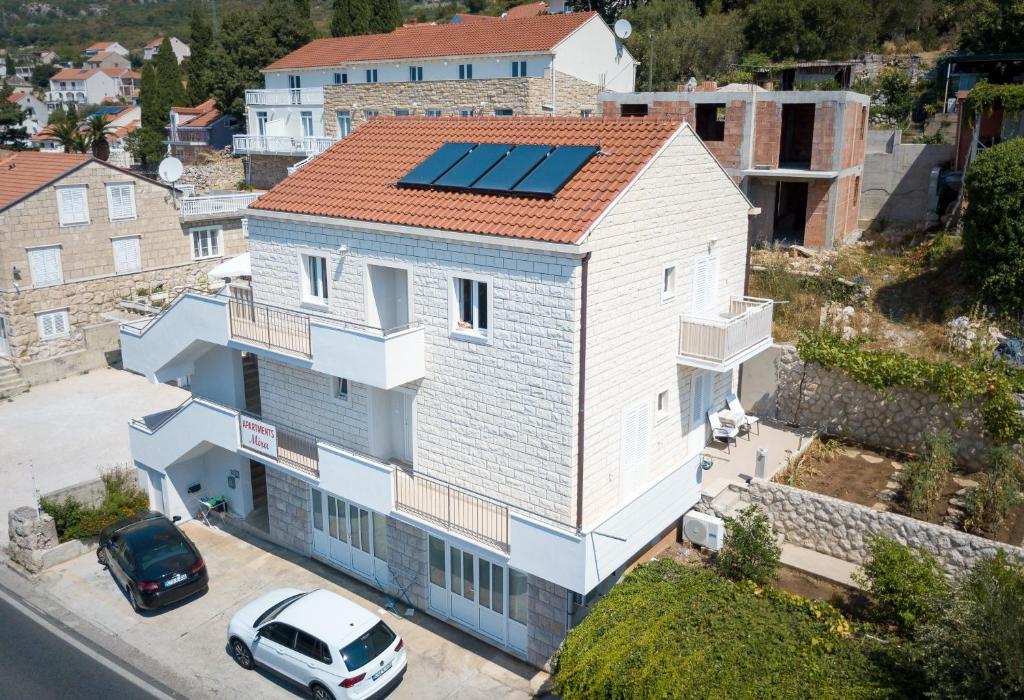 A bird's-eye view of Apartments Mira