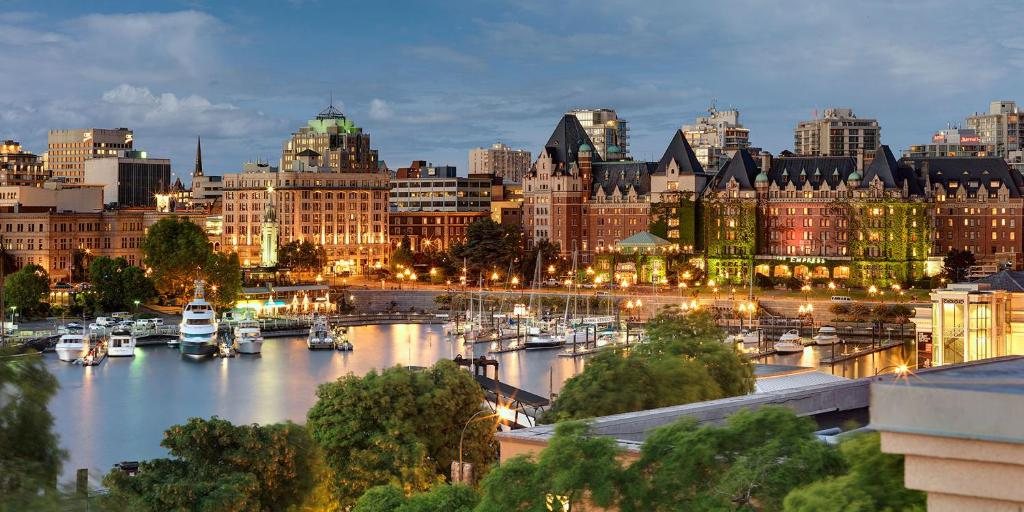 PLUS Inner Harbour Hotel, Victoria, Canada - Booking.com